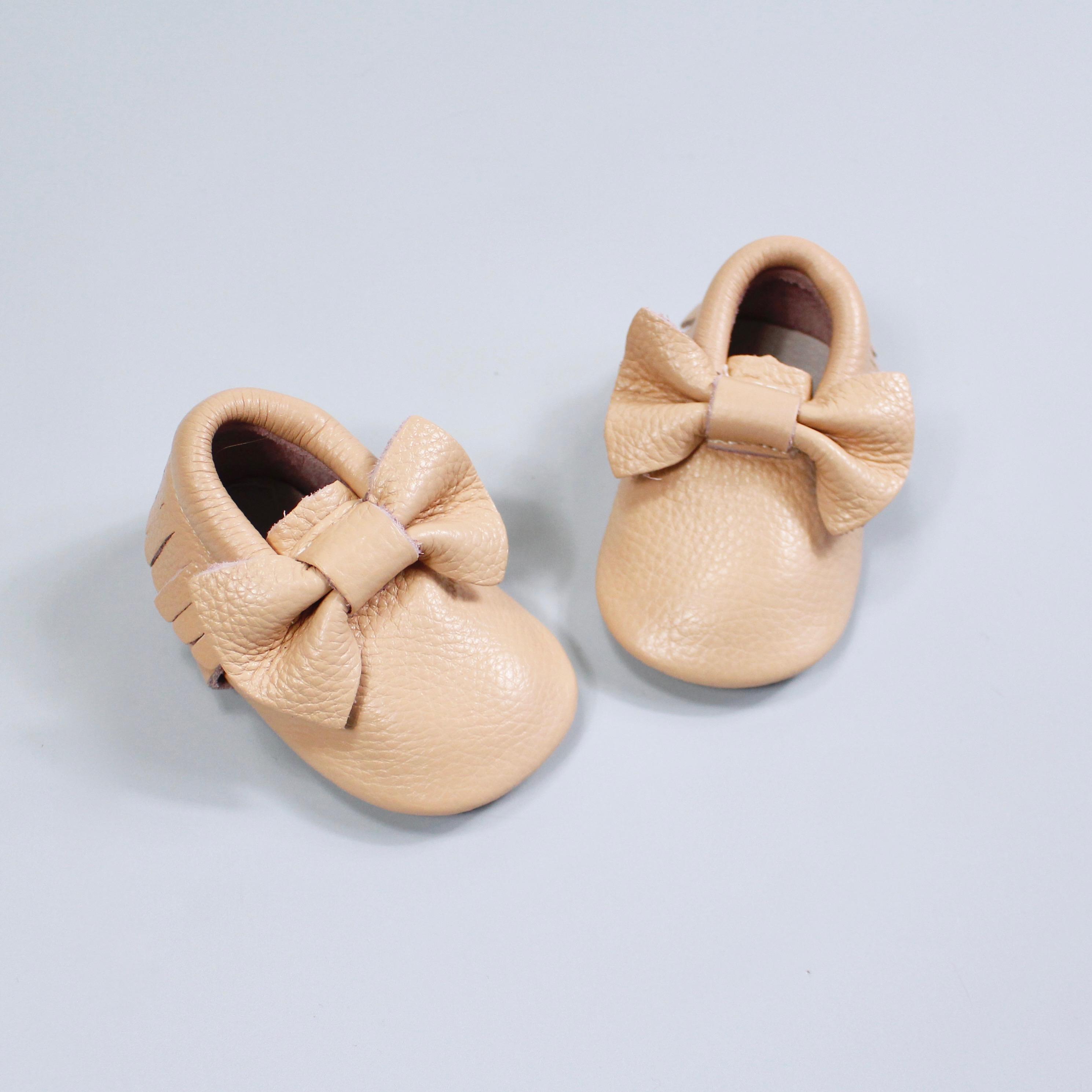 chausson en cuir pour nouveau né